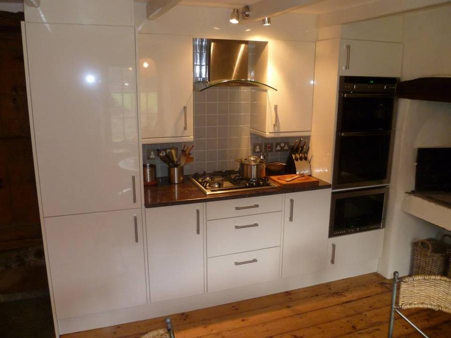 Gloss Slab Alabaster kitchen