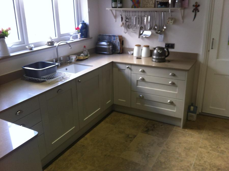 Madison Painted Oak with Silestone Quartz Worktops