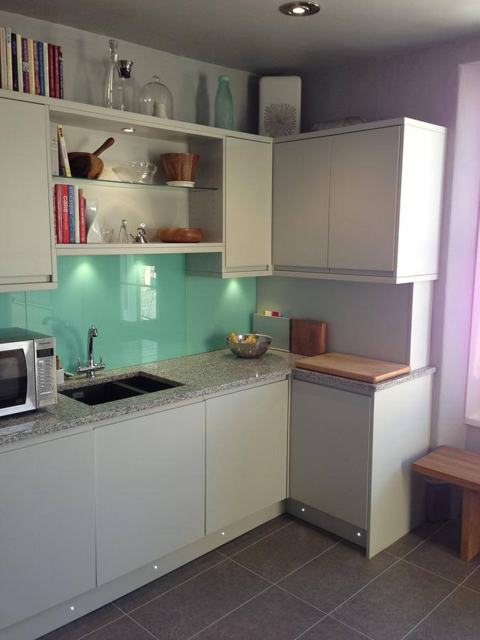 satin-light-grey-handless-kitchen