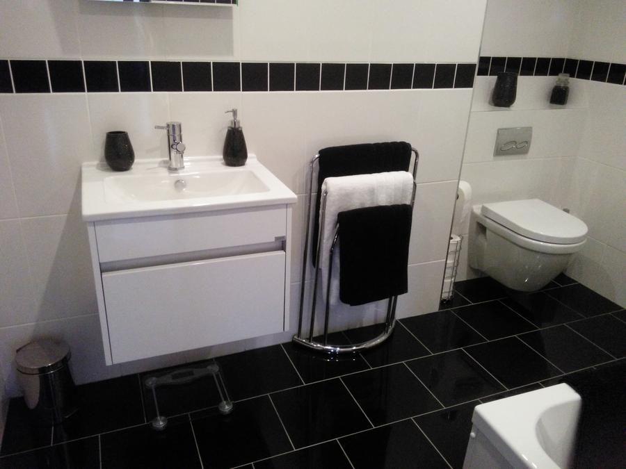 Bathroom: Vitra Suite White