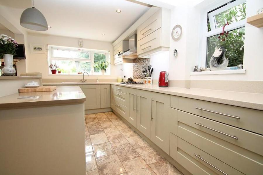 Windsor Shaker Painted Mussel kitchen