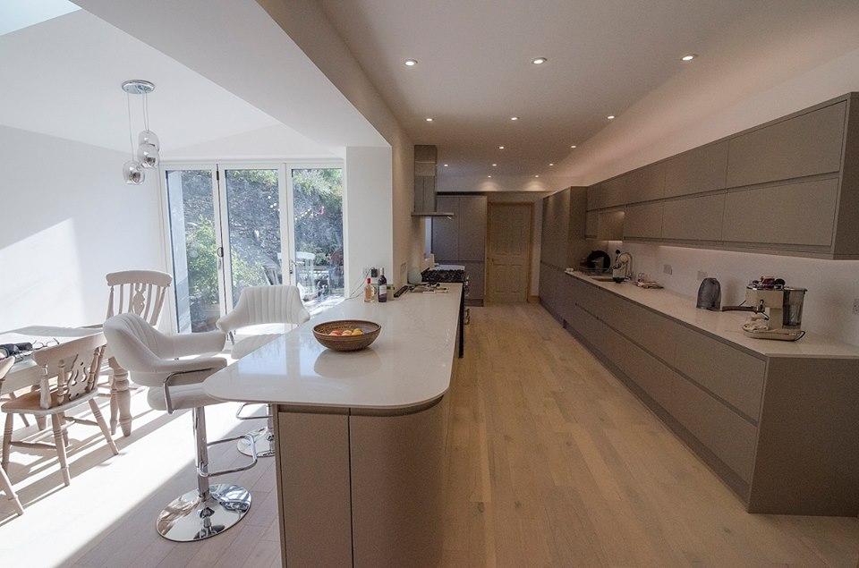Kitchen: Bespoke Handleless Painted